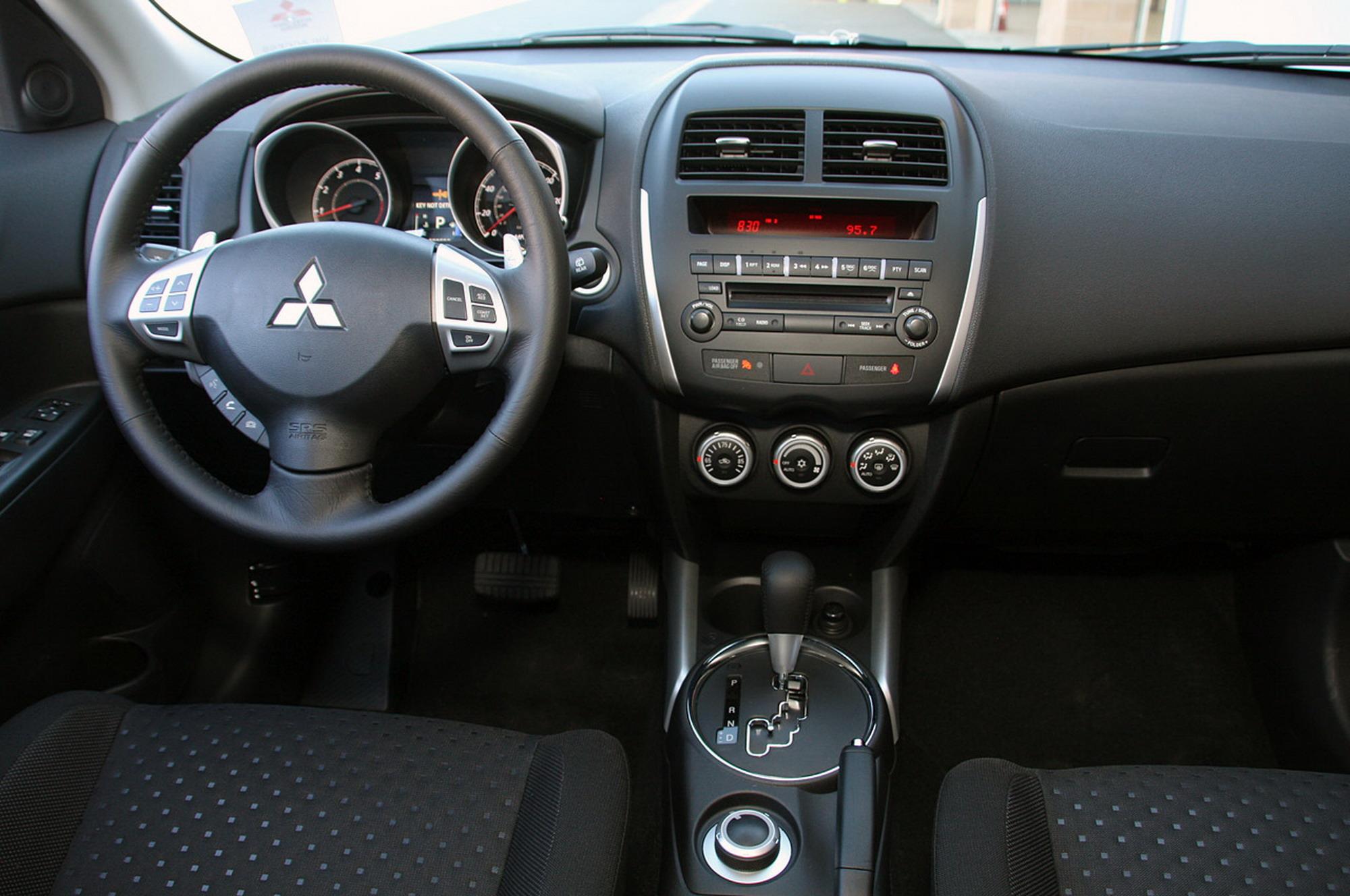 2013 mitsubishi outlander interior view 2013 mitsubishi outlander - Mitsubishi Outlander Interior