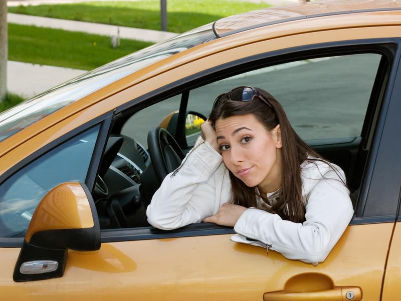 quoi penser au moment d acheter une voiture neuve auto au feminin. Black Bedroom Furniture Sets. Home Design Ideas