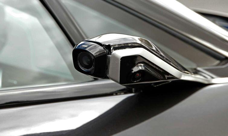 Le Japon Accepte Les Voitures Sans Miroir Auto Au Feminin