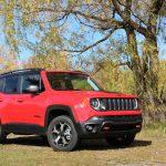 2019-Jeep-Renegade-Trailhawk-23